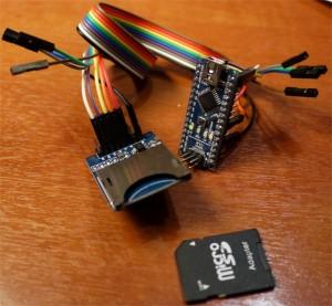 При подключении модуля к Arduino Nano с помощью проводов мама-мама даже макетная плата не понадобится
